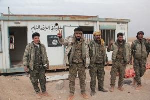 Kurdische Kämpfer der YPG haben südlich  von Hasaka eine Stellung des IS erobert.