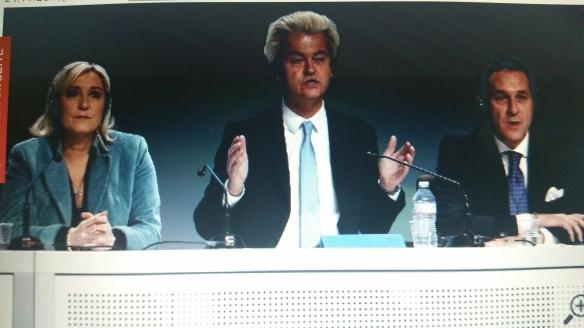 Noch ziehen Europas Rechtspopulisten an einem Strang: (v.l.) Marine Le Pen, Geert Wilders und FPÖ-Politiker Heinz-Christian Strache. (Screenshot)